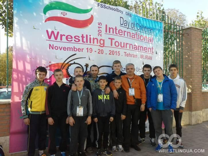 Первые победы сборной Украины на международном турнире по вольной борьбе в Иране.