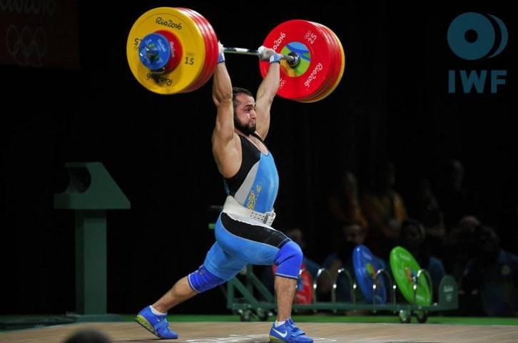 Казахстанец Рахимов— олимпийский чемпион потяжелой атлетике вкатегории до77кг
