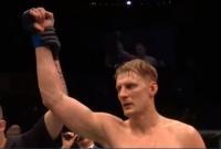 Александр Волков нокаутировал Фабрисио Вердума на UFC FIGHT NIGHT 127 в Лондоне.